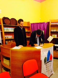 Foto dello storico accordo Centro Piero Rossi , lunedì 28 aprile 2014